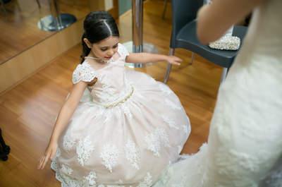 Casamento clássico de Bárbara & Lucas: noiva como uma princesa em noite com toque rústico