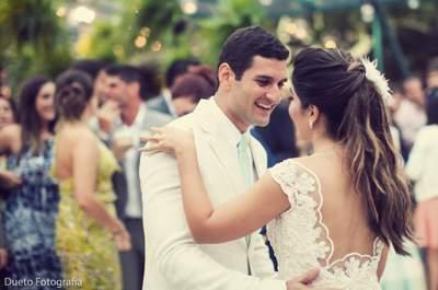 Tamires & Bernardo: destination wedding MARAVILHOSO em Búzios com buffet para fazer história