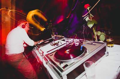 Живая музыка на свадьбу или DJ?