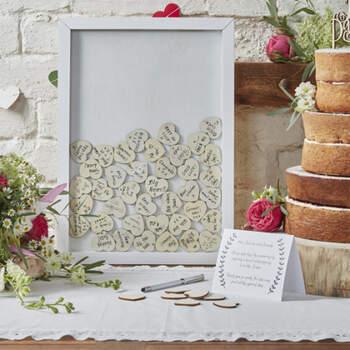 Libro De Firmas Marco Con Corazones De Madera- Compra en The Wedding Shop