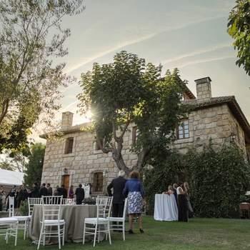 Una casa con muros de piedra y mucha historia que nos transporta a épocas pasadas. Este Torreón sigue desprendiendo el mismo encanto y estilo que respiró hasta mediados del siglo pasado.