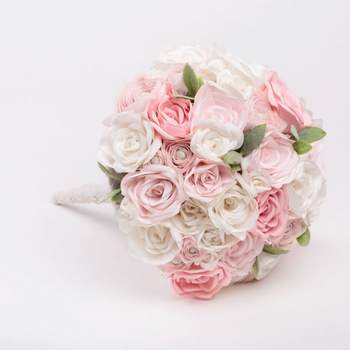 "<a href=""https://www.zankyou.pt/f/veronica-teixeira-bridal-bouquets-387861"" target=""_blank"">Verónica Teixeira - Bridal Bouquets</a>"