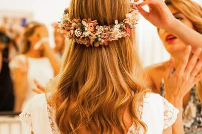 Acconciature da sposa con capelli sciolti: il trionfo della semplicità!