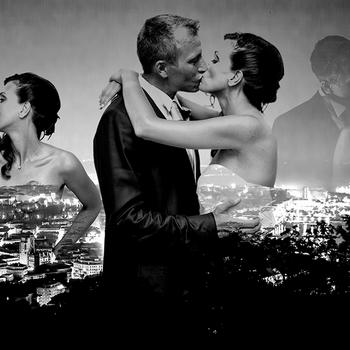 Mi piace moltissimo questa immagine perchè sembra il Manifesto di un Film d'amore. La vista notturna della città ripresa dall'alto rispecchia la forte personalità di questi bei sposi ed esalta il loro Amore che riempie lo spazio.  E' questa la tua foto preferita? Lascia un commento qui sotto, votando per la numero 7