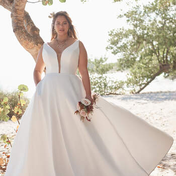 Rebecca Ingram, robe Pearl