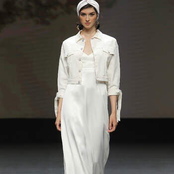 Rembo Styling 2021   Créditos: Valmont Barcelona Bridal Fashion Week 2020