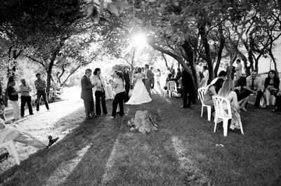 Le serre-pinces pendant le cocktail de mariage : comment l'éviter, comment s'en sortir ?