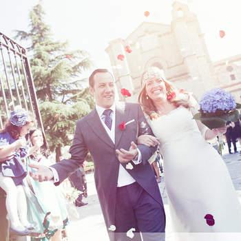 Der Gang aus der Kirche ist auch ein schönes Fotomotiv für das Hochzeitsfoto - Foto: Masdos