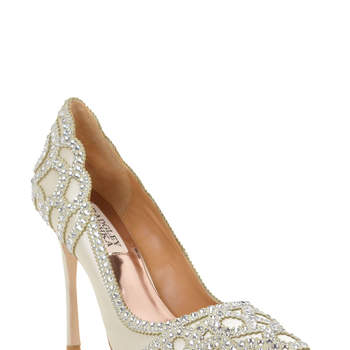 Rouge Embellished Evening Shoe. Credits: Badgley Mischka.
