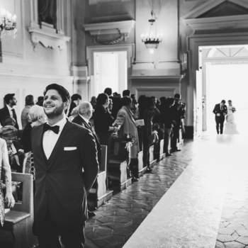 Luca Bottaro Studio: Sta arrivando? Il cuore batte forte e l'emozione è alle stelle quando la sposa raggiunge il suo amato.
