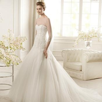 Escolhemos 10 fotografias do catálogo das colecções de vestidos de noiva St. Patrick 2013 para lhe dar a conhecer as linhas principais. Mas há mais.