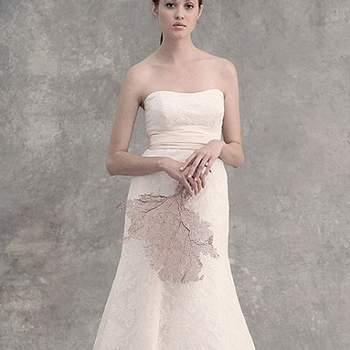 """<a title=""""Vestido da semana"""" href=""""https://www.zankyou.pt/p/vestido-da-semana-bella-de-jenny-yoo"""" target=""""_blank"""">Saiba qual é o nosso vestido preferido desta colecção</a>"""