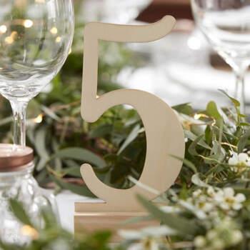 Seating Plan números de madera 12 unidades- Compra en The Wedding Shop