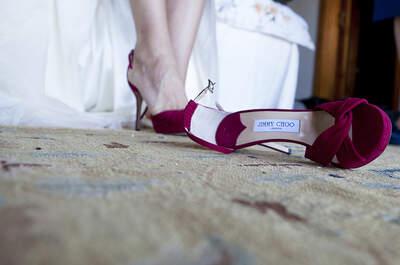 Zapatos de novia en color para este 2015. Dale el toque sorpresa a tu look
