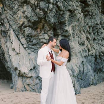 https://www.zankyou.pt/g/o-romantico-elopement-de-julia-emanuele-no-cenario-paradisiaco-da-praia-da-adraga