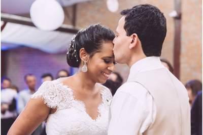 Casamento rústico chic de Tatiane e Rodrigo: personalidade dos noivos em cada detalhe!