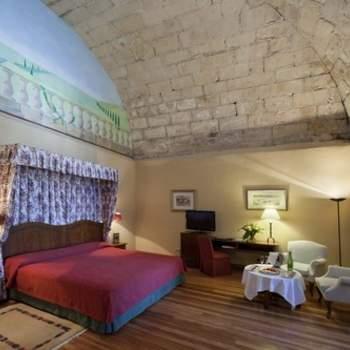 """Muchas de las habitaciones de Paradores se convierten en verdaderas obras arquitectónicas. En el Parador de Hondarribia podréis disfrutar de una cúpula en vuestra propia habitación en la noche de bodas. Sin duda, una experiencia que nunca olvidaréis. Foto: <a href=""""http://zankyou.9nl.de/wdbk"""" target=""""_blank"""">Paradores</a><img src=""""http://ad.doubleclick.net/ad/N4022.1765593.ZANKYOU.COM/B7764770.4;sz=1x1"""" alt="""""""" width=""""1"""" border=""""0"""" /><img height='0' width='0' alt='' src='http://9nl.de/xyl3' />"""