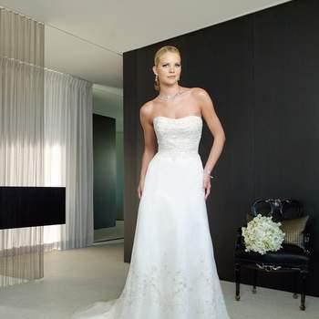 Año 2009. Credits: Casablanca Bridal