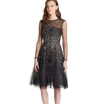 Paillete sequin embroidered illusion-tulle dress. Credits: Oscar de la Renta