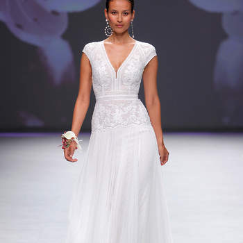Aire Barcelona. Credits: Valmont Barcelona Bridal Fashion Week