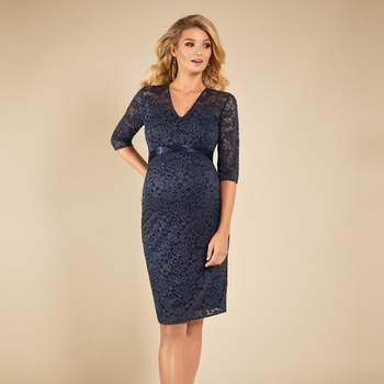 Suzie dress, by Tiffany Rose. Bron: BellyFashion