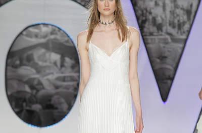 Свадебные платья с V-образным вырезом: приклекательные невесты