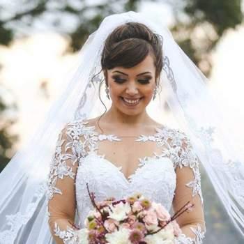 Penteado para noiva com cabelo preso e véu | Credits: divulgação