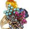 Anillo con cristales de diferentes tamaños y colores, de Bijoux Heart. Foto: difusión