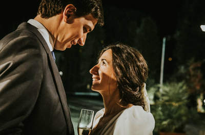 Un amor entre olas y tablas de surf: la boda de Alejandro y María