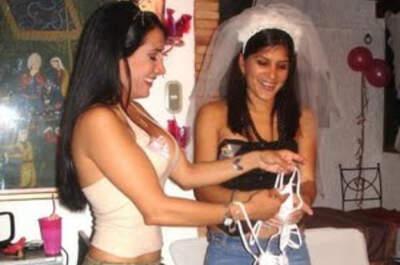 Despedida de soltera divertida  www.recuerdosdemiboda.blogspot.com