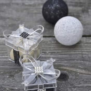 Boite À Dragées Cube Avec Petite Ruban 4 Pièces -  The Wedding Shop !