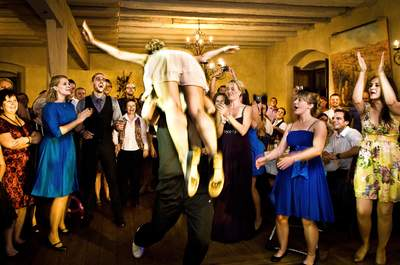 Partymusik 2015: Mit dieser Playlist wird Ihr Abschied aus dem Single-Leben die beste Party des Jahres!
