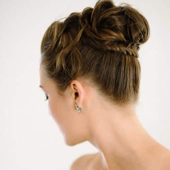 Penteado para noiva com coque alto | Foto: Shannon Moffit Photography