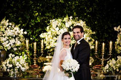 Casamento clássico de Laura & Guilherme: decoração totally white e super romântica!