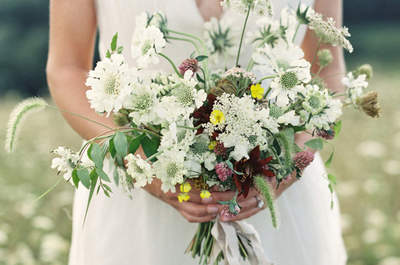 The 22 Bridal Bouquets with the Most Elegant White Flowers: The Ideal Complement for your Look