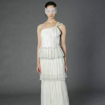 O vestido de noiva é uma escolha muito pessoal de cada noiva. Veja esta linda seleção de vestidos Douglas Hannant 2013 e inspire-se!