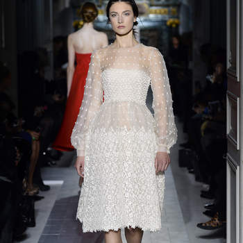 Si las princesas de los cuentos se casasen de corto, este sería su vestido. Foto: Valentino.