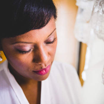 Maquillaje y peinado de la novia