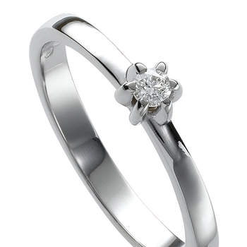 El solitario de oro blanco y diamantes es el anillo de compromiso por excelencia. Foto: Chancejoyas. http://www.chancejoyas.com
