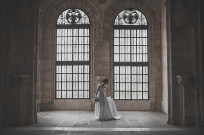 Clásica, romántica y moderna: 3 looks para una novia de invierno