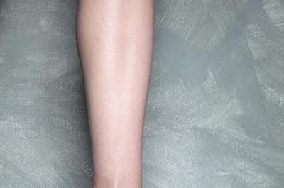 Zapatos de fiesta con plumas, de Vicente Rey 2013