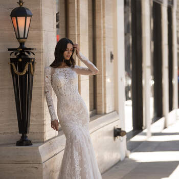 Credits: Pronovias Cruise Collection
