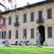 Sulle sponde del Naviglio Grande all'altezza di Robecco, questa maestosa villa della fine del 400 è un capolavoro di arte in cui organizzare un ricevimento speciale ed incantevole.  <img height='0' width='0' alt='http://www.zankyou.it/f/villa-gaia-gandini-159' /> Clicca sulla foto per maggiori informazioni su Villa Gaia Gandini</a>