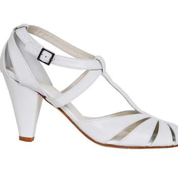 Sapato de noiva branco. Ellips.