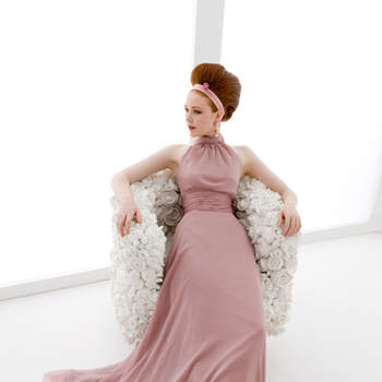 abito sposa in chiffon di seta pura color rosa antico. Gonna molto ampia,con corpino scollo all'americana