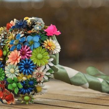 Un bouquet di spille molto eco-friendly!