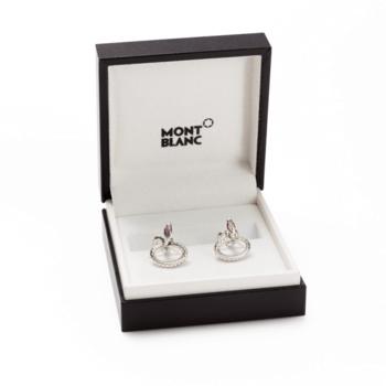 Gemelos en plata diseño serpiente/ Créditos: Montblanc y G&G Joyeros