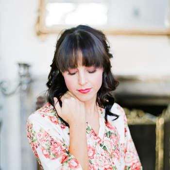 Peinados de novia con cerquillo. ¡Sé tu misma y luce hermosa en tu gran día!