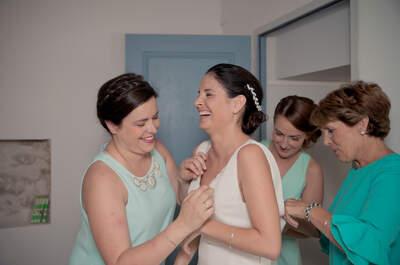 5 personnes que vous NE DEVRIEZ PAS convier à votre essayage de robe de mariée !