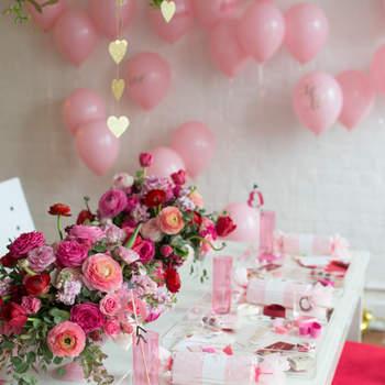 Mesa com decoração de  Valentine's Day. Credits: Abby Jiu Photography